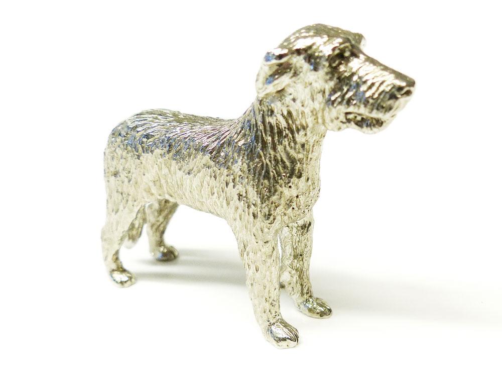 hundefigur irischer wolfshund figur tierisch tolle geschenke. Black Bedroom Furniture Sets. Home Design Ideas