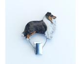 Für MenschenAuto-SonnenschutzHundeausstellungs-Startnummern-Clip: Sheltie - Shetland Sheepdog tricolor