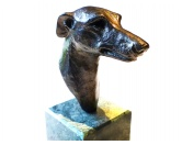 Selbstklebende KreidetafelnHundeMetall-Figur: Greyhound auf Marmorsockel