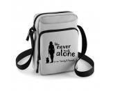 Bekleidung & AccessoiresHundesportwesten mit Hundemotiven inkl. Rückentasche MIL-TEC ®Outdoor Leckerlietasche / Umhängetasche Never walk alone 2